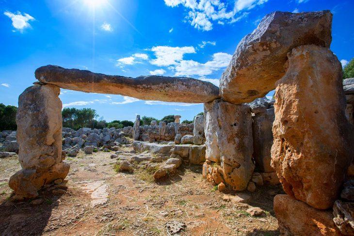 El Poblado Torre d'en Galmés para ver en Menorca
