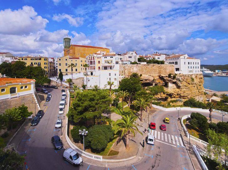 Moverse por Menorca en coche